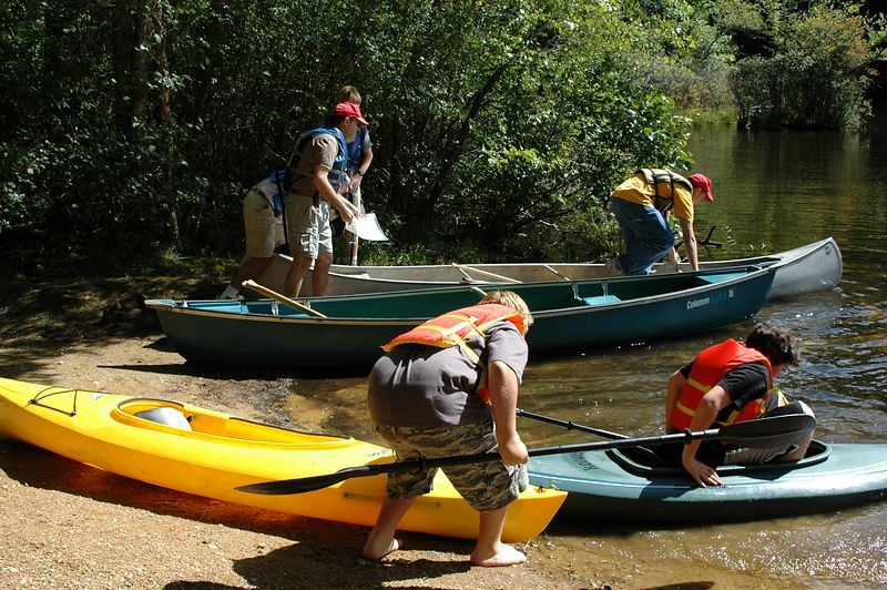 <b>Boy Scouts launch their boats</b>   (Sep 11, 2004, 11:34am)  <p align=left>Even though the kayaking scouts started first, it took  so long for the four boys to get their kayaks launched that the canoe-using scouts left the canoe launch at the same time.</p>