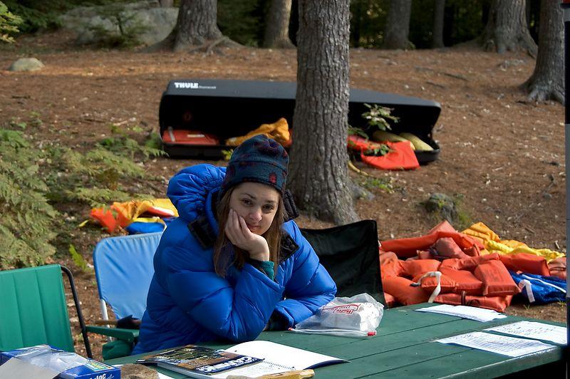 <b>Daphne works the Canoe-O table</b>   (Sep 11, 2005, 07:57am)