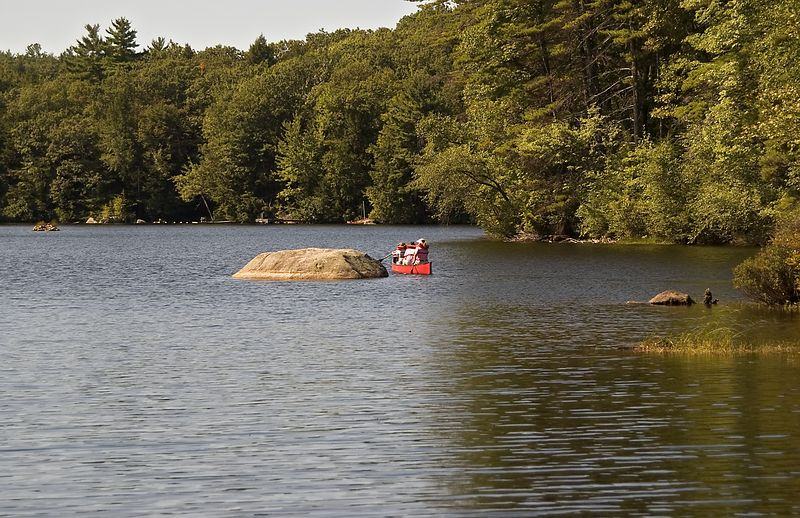 <b>Canoeing on Lake Pawtuckaway</b>   (Sep 11, 2005, 11:12am)