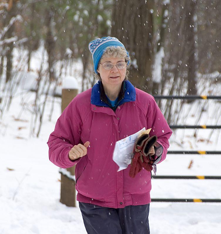<b>Joanne Sankus runs to the finish</b>   (Nov 13, 2004, 12:23pm)