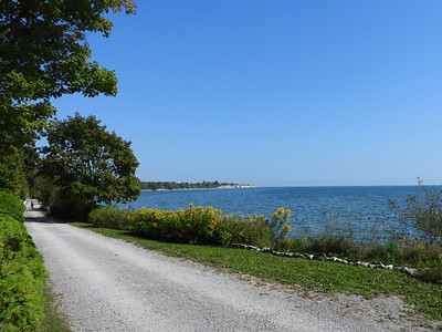 View of Lake Ontario close to Thickson's Woods