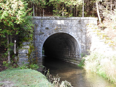 Old culvert for Baxter Creek flowing under the abandonned Grand Trunk Railway. This railway bridge dates from 1865!