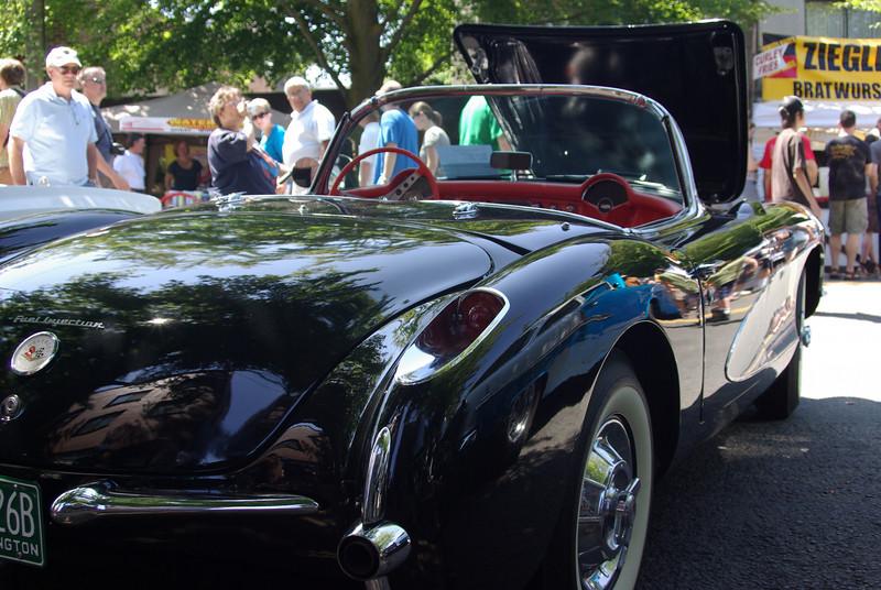 shiny, shiny Corvette