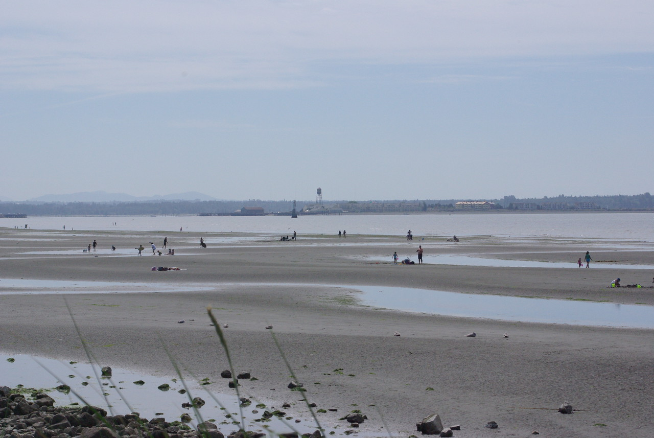 White Rock beach looking accross to Semiahmoo.