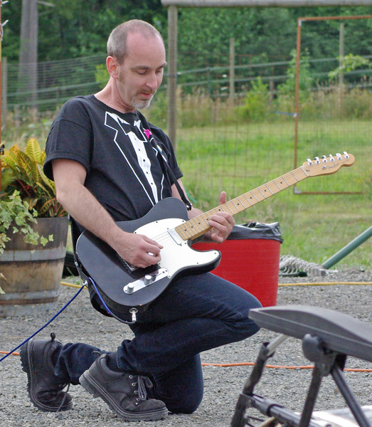 Guitarist Dan