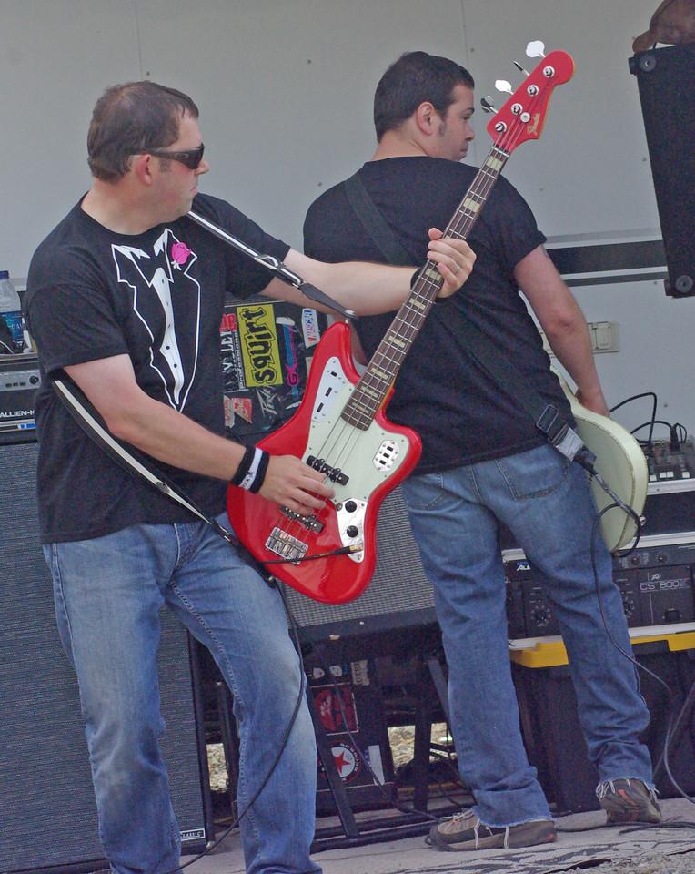 Bassist Jeff