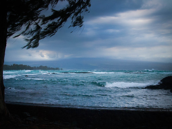 A stormy afternoon on Hilo Bay