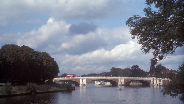 gp041-thames bridges