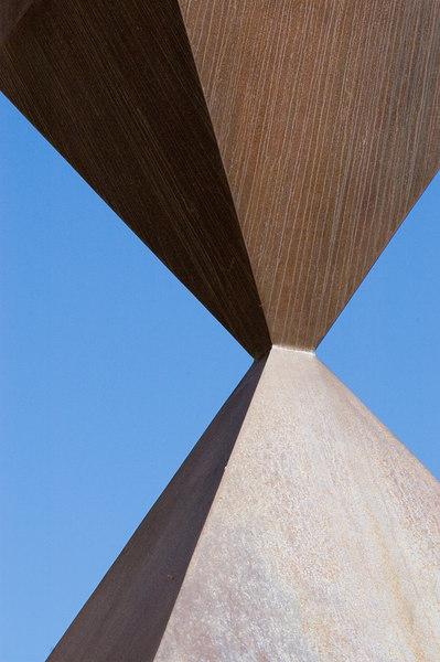 Corners of the Broken Obelisk at the University of Washington