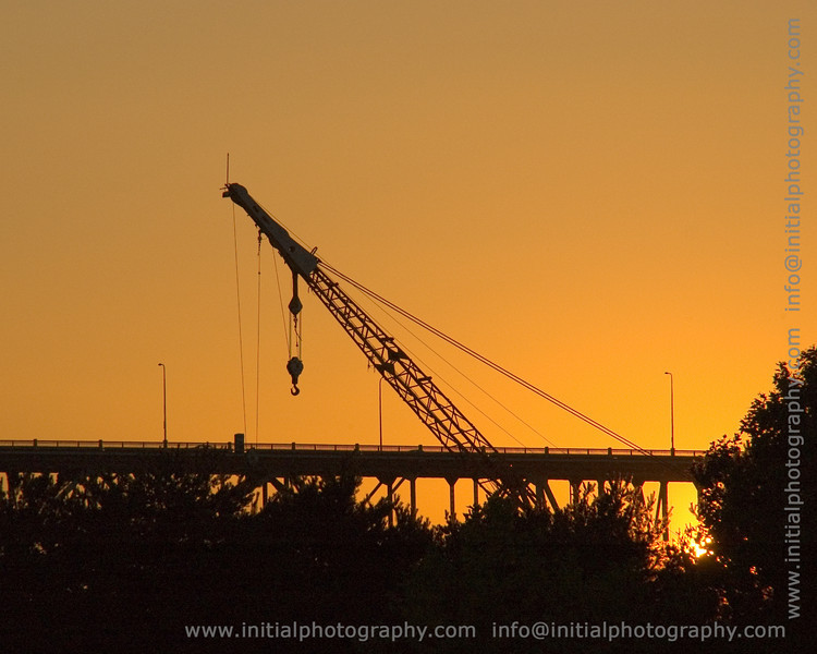 """Fremont crane (more sunset pictures <a href=""""/gallery/1400588"""">here</a>)"""