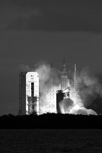 NASA Orion Lifts Off