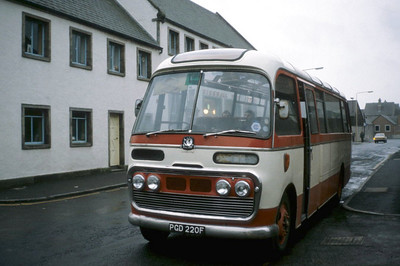 Peace Kirkwall PGD220F Kirkwall Bus Stn Sep 82