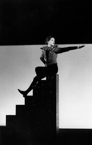 Isabelle Huppert (Orlando) Théâtre Vidy-Lausanne, 1993 Photograph © Brigitte Enguerand (Paris)
