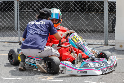 Sept 27, 2020, Orlando, FL, USA; Drivers compete in the LO206 JR-SR-Heavy division during Round 12 of the Orlando Open race at the Orlando Kart Center Speedway. Mandatory credit: Mike Watters