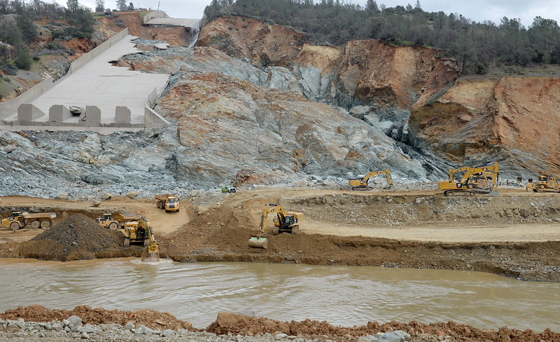 Oroville Updates Riverbend Spillway Monday 3-6-2017 - MNG-Chico