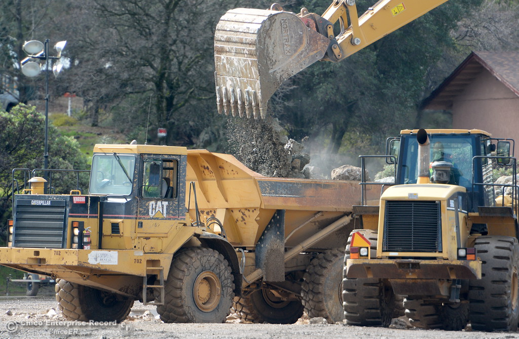 . Heavy equipment has been working around the clock as the Lake Oroville Dam Spillway emergency continues in Oroville, Calif. Thurs. Feb. 16, 2017. (Bill Husa -- Enterprise-Record)