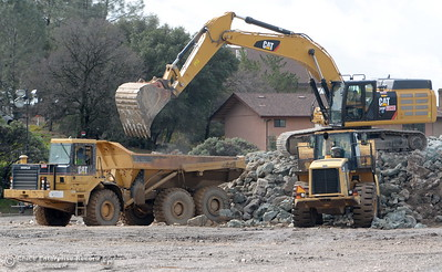 Heavy equipment has been working around the clock as the Lake Oroville Dam Spillway emergency continues in Oroville, Calif. Thurs. Feb. 16, 2017. (Bill Husa -- Enterprise-Record)