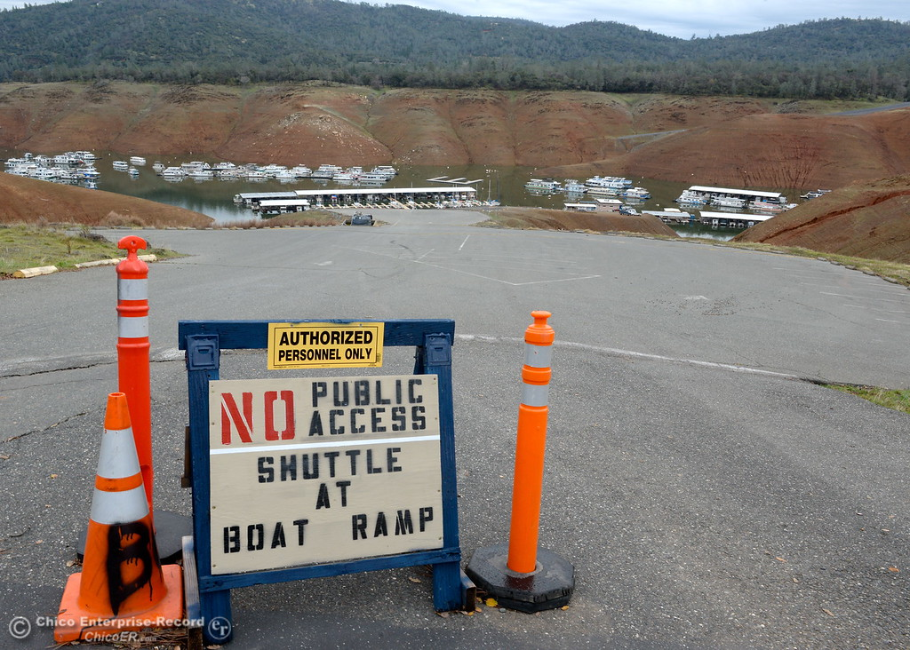 . A sign says there is no public access to the Bidwell Canyon Marina in Oroville, Calif. Jan. 11, 2018.  (Bill Husa -- Enterprise-Record)