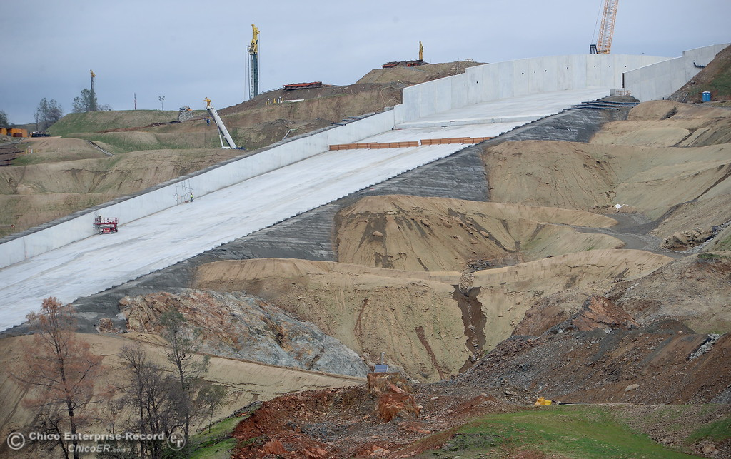 . Construction continues at the Lake Oroville Dam controlled spillway in Oroville, Calif. Jan. 11, 2018.  (Bill Husa -- Enterprise-Record)