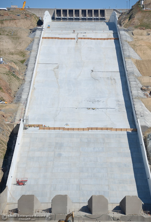 . Construction continues at the Lake Oroville Dam Spillway Wednesday Feb. 21, 2018.  (Bill Husa -- Enterprise-Record)