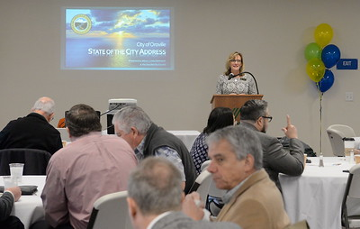 Oroville Mayor Linda Dahlmeier gets the City of Oroville's State of the City meeting going while others enjoy breakfast at the Table Mountain Golf Course Banquet Room in Oroville, Calif. Friday Feb. 3, 2017. (Bill Husa -- Enterprise-Record)