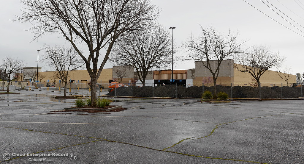 . Construction is underway at the old WalMart location on Oro Dam Blvd. in Oroville, Calif. Thurs. March 15, 2018. (Bill Husa -- Enterprise-Record)