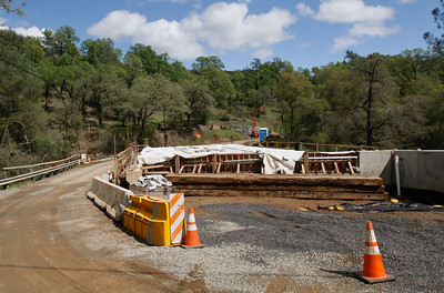 Construction on the Oregon Gulch Road Bridge near Cherokee Road continues as they work to replace the old bridge with a new one March 21, 2017 in Oroville,California. (Emily Bertolino -- Enterprise-Record)