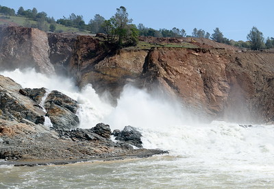 35,000 CFS flows down the damaged Lake Oroville Spillway Friday April 14, 2017.  (Bill Husa -- Enterprise-Record)