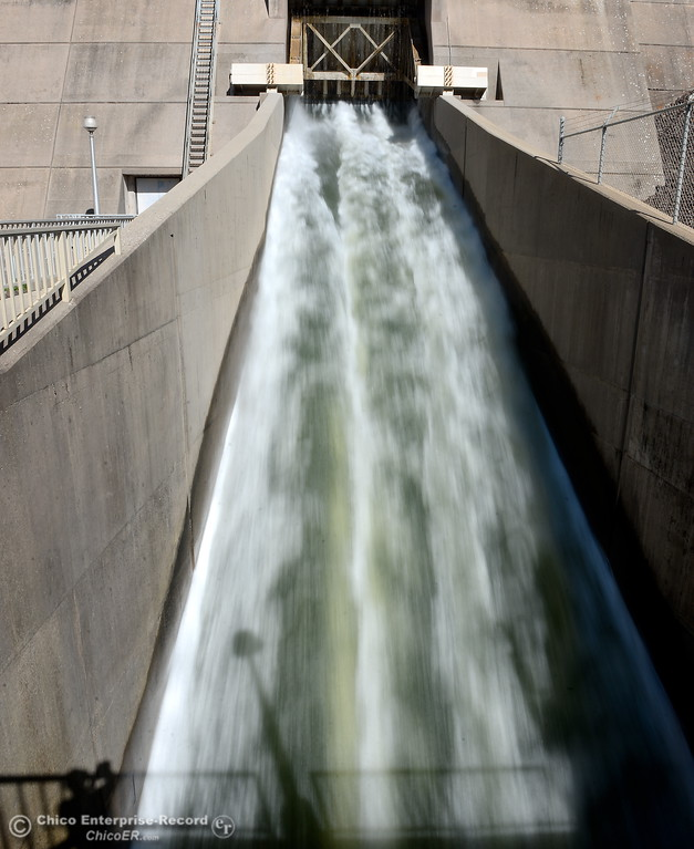 . Water flows through the bypass gate at the Thermalito Power Plant at rate of approx. 8,000 cfs while repairs from a fire in Nov. 2012 continue Wed. March 28, 2018.  (Bill Husa -- Enterprise-Record)
