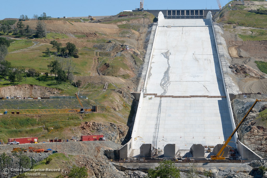 . Construction continues at the Lake Oroville Dam Spillway Friday April 20, 2018. (Bill Husa / Chico Enterprise--Record)