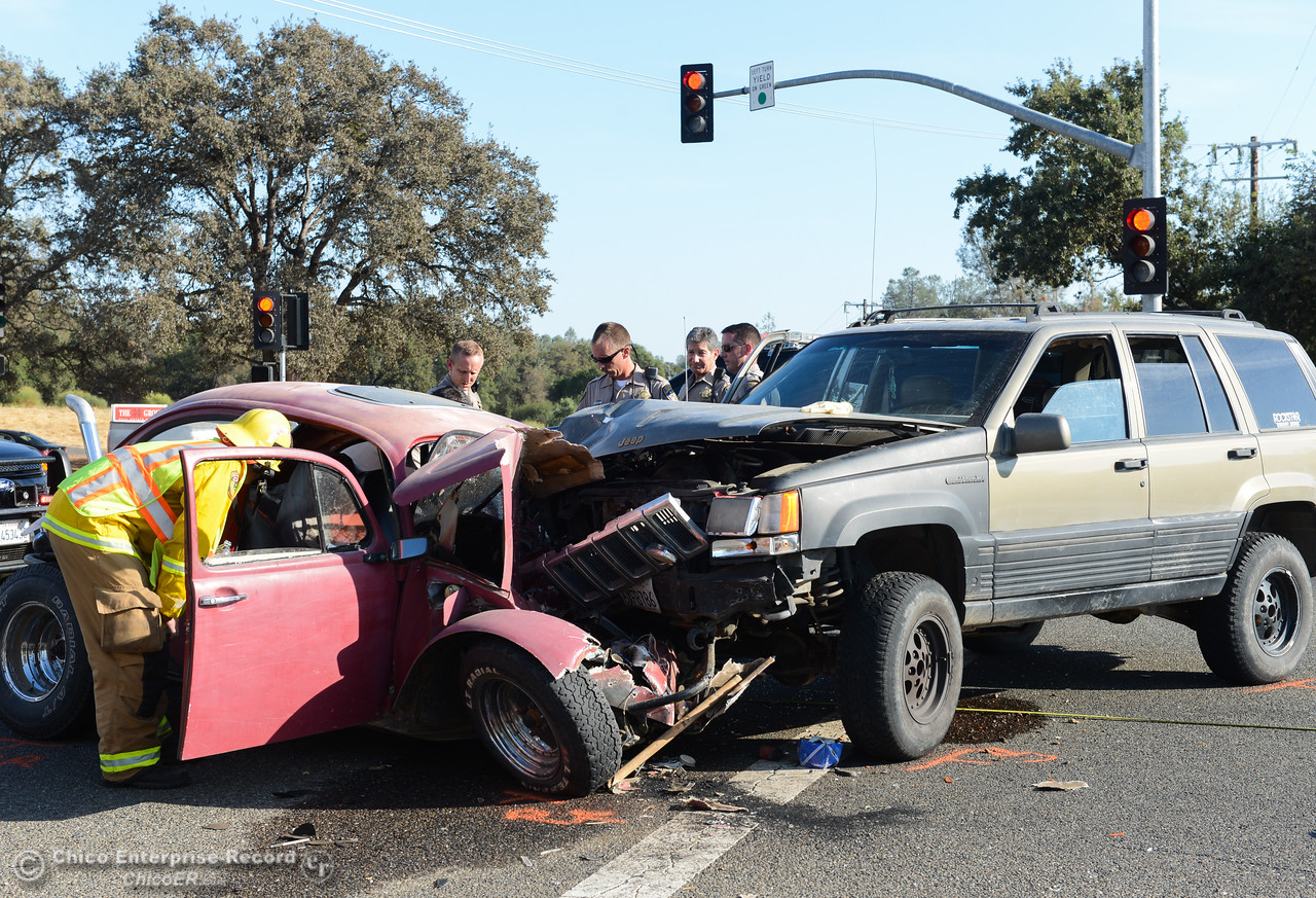 A two car collision leaves one man dead Tuesday September 12, 2017 along Highway 162 at Kelly Ridge Road in Oroville, California. (Emily Bertolino -- Mercury-Register)