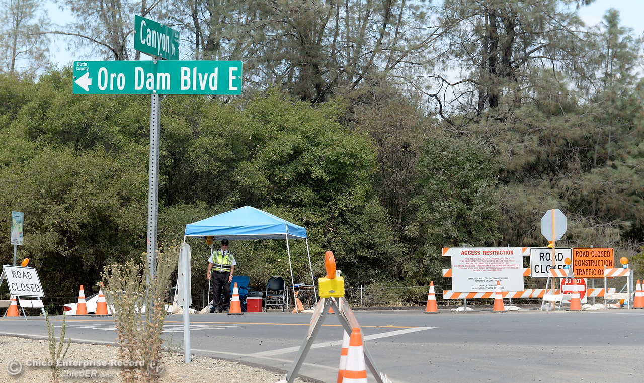 Road blocks remain in place at Oro Dam Blvd. E and Canyon Drive as work continues on the Lake Oroville Dam Spillway in Oroville, Calif. Thursday Sept. 14, 2017. (Bill Husa -- Enterprise-Record)