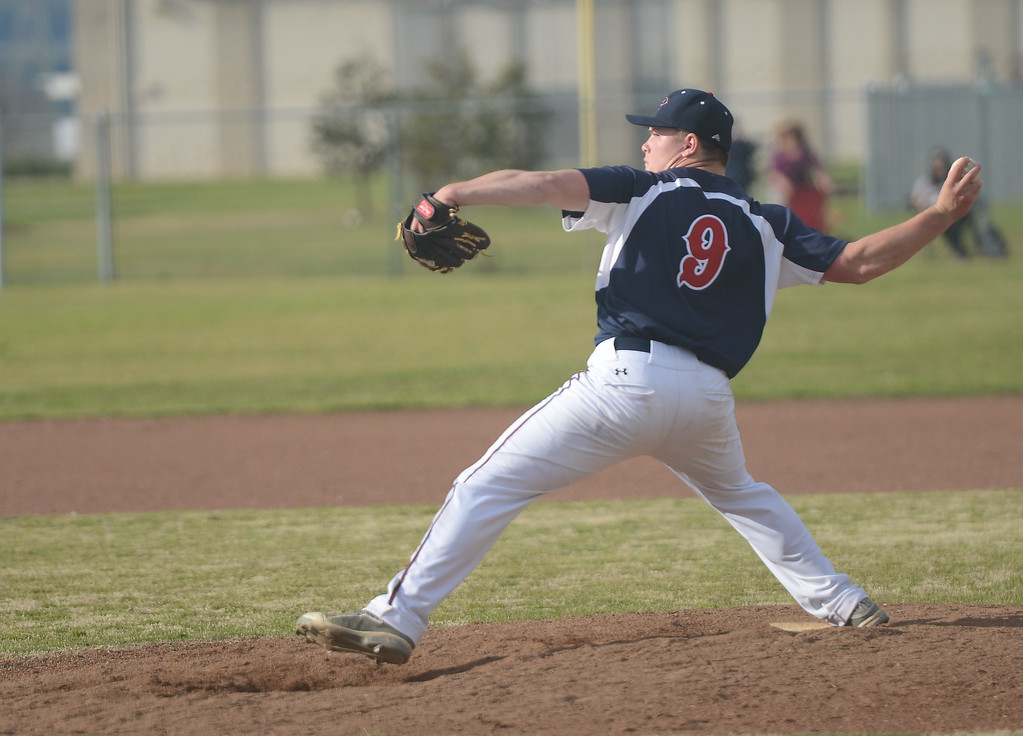 . Las Plumas High\'s Dustin Long pitches the ball, March 29, 2018, in Oroville, California. (Carin Dorghalli -- Enterprise-Record)