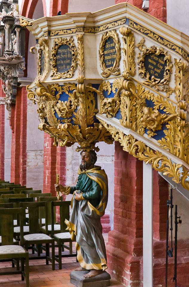 Brandenburg, Dom. Kanzel: Korb von Petrus getragen (1691)