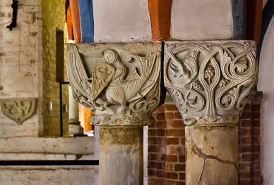 Brandenburg, Dom. Krypta: Kapitelle der zentralen Doppelsäule (um 1230)