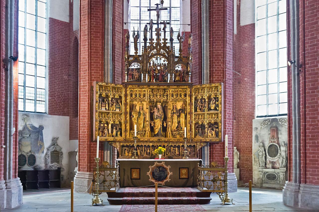 Brandenburg, St. Katharinen. Hochaltar und Grabmäler