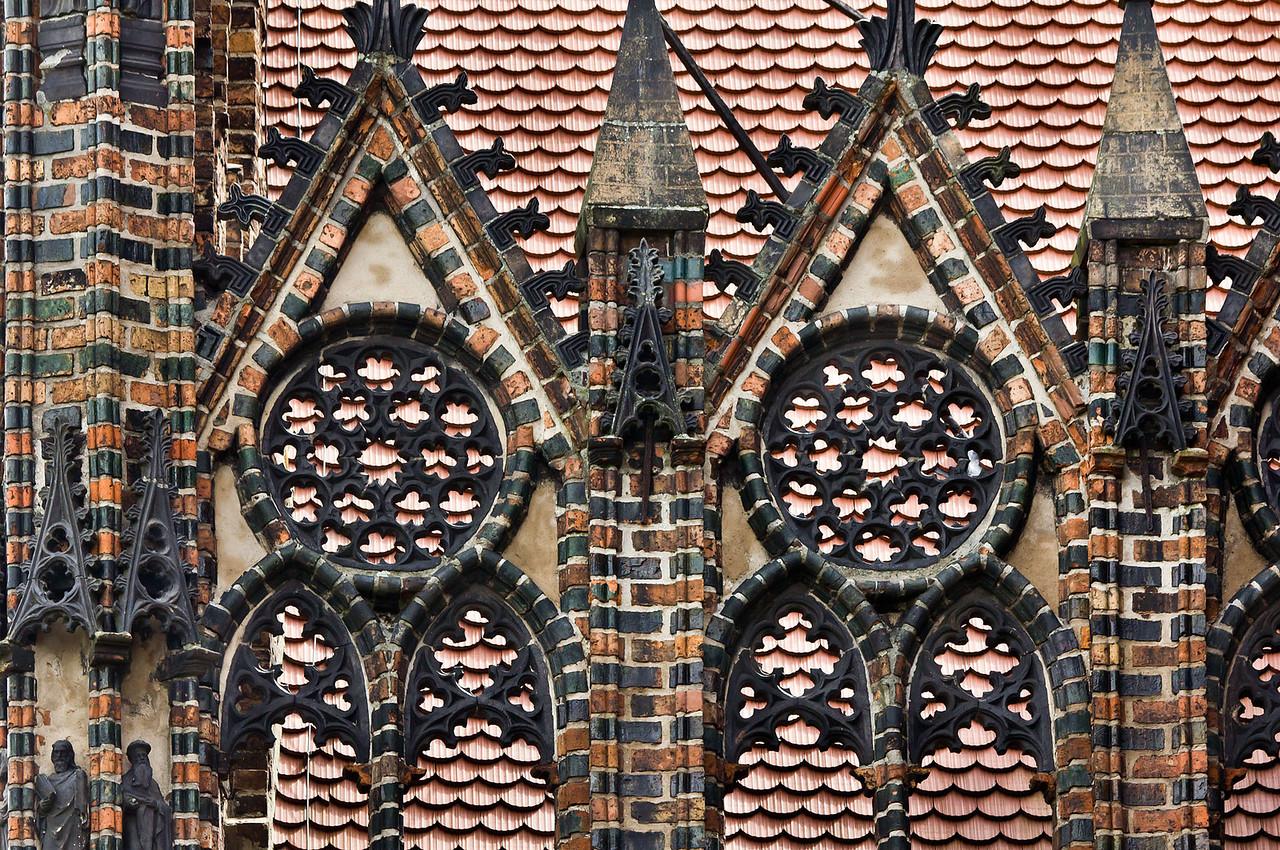 Brandenburg, St. Katharinen. Nordkapelle von Westen: Maßwerkgiebel, Detail