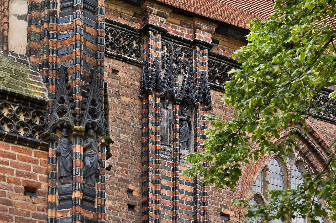 Brandenburg, St. Katharinen. Strebepfeiler und Dekor an Nordseite