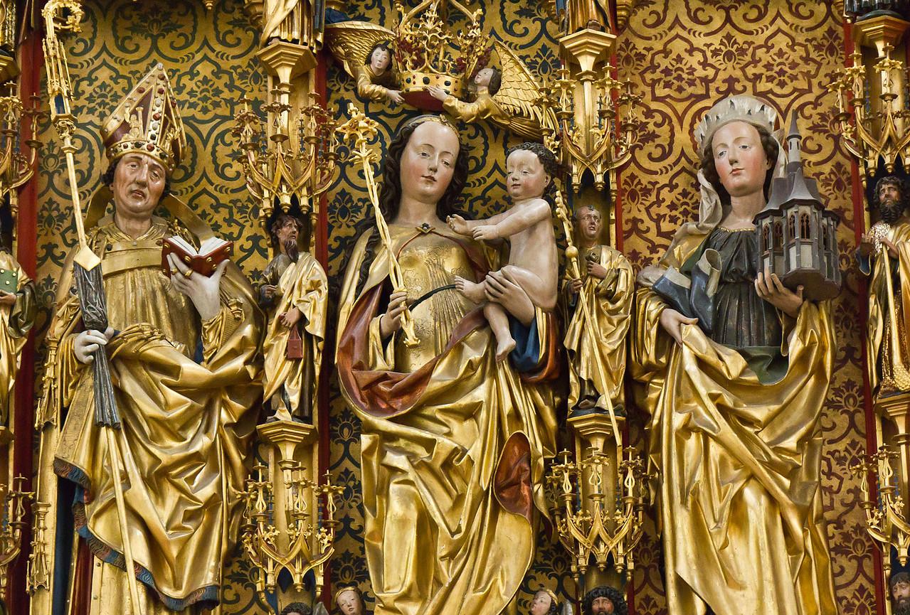 Frankfurt/Oder, St. Gertraud. Marienaltar: Adalbert, Maria, Hedwig mit Kirchenmodell Trebnica (aus St. Marien)