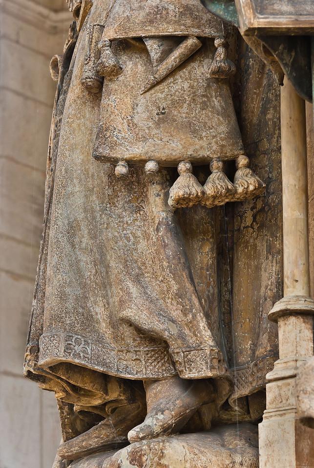 Dijon, Kartause. Mosesbrunnen: Jesajas, Detail Mantel