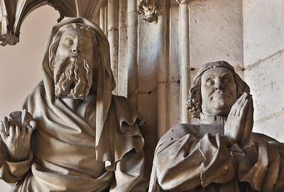 Dijon, Kartause. Sluter-Portal: Herzog Philippe und Johannes, Detail