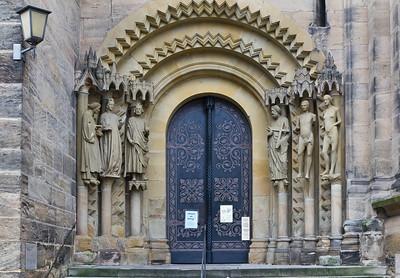Bamberg. Dom: Adamspforte (Skulpturen Kopien)