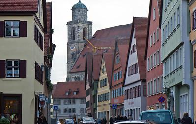 Dinkelsbühl. St. Georg vom Marktplatz gesehen