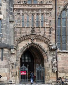 Nürnberg. St. Lorenz: Südportal