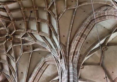 Nürnberg. St. Lorenz: Pfeiler und Gewölberippen im CHor