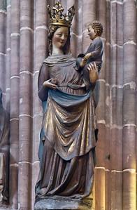 Nürnberg. St. Lorenz: Muttergottes (um 1290)