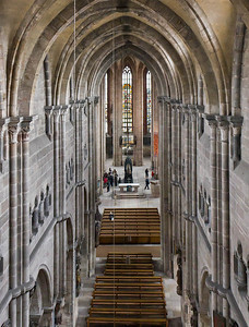Nürnberg. St. Sebald: Blick vom Engelschor über Westchor nach Osten