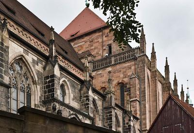 Nürnberg. St. Sebald: Längsschiff von Südwesten