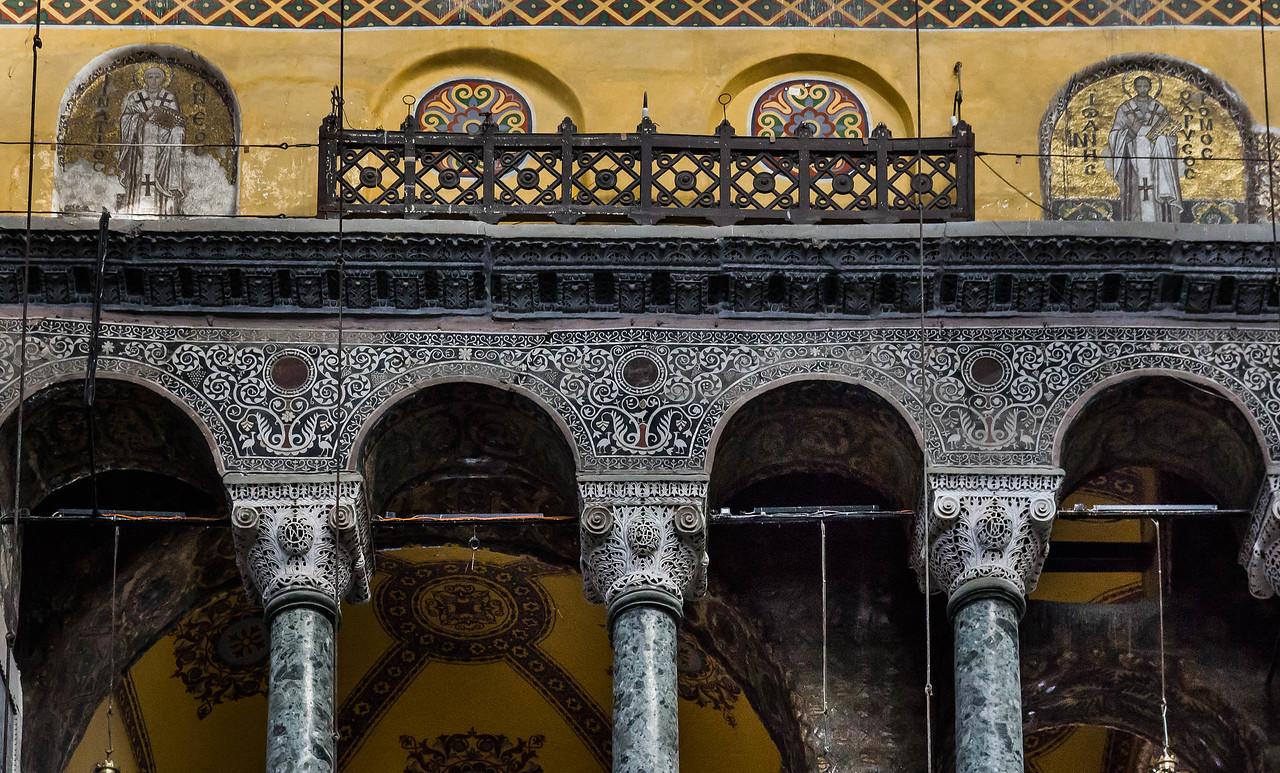 Istanbul, Hagia Sophia: Kapitelle und Gebälk der nördlichen Emporensäulen