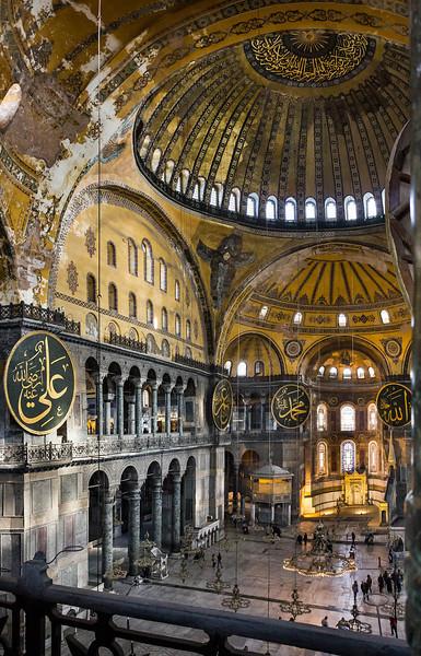 Istanbul, Hagia Sophia: Blick von Westempore Richtung Apsis: